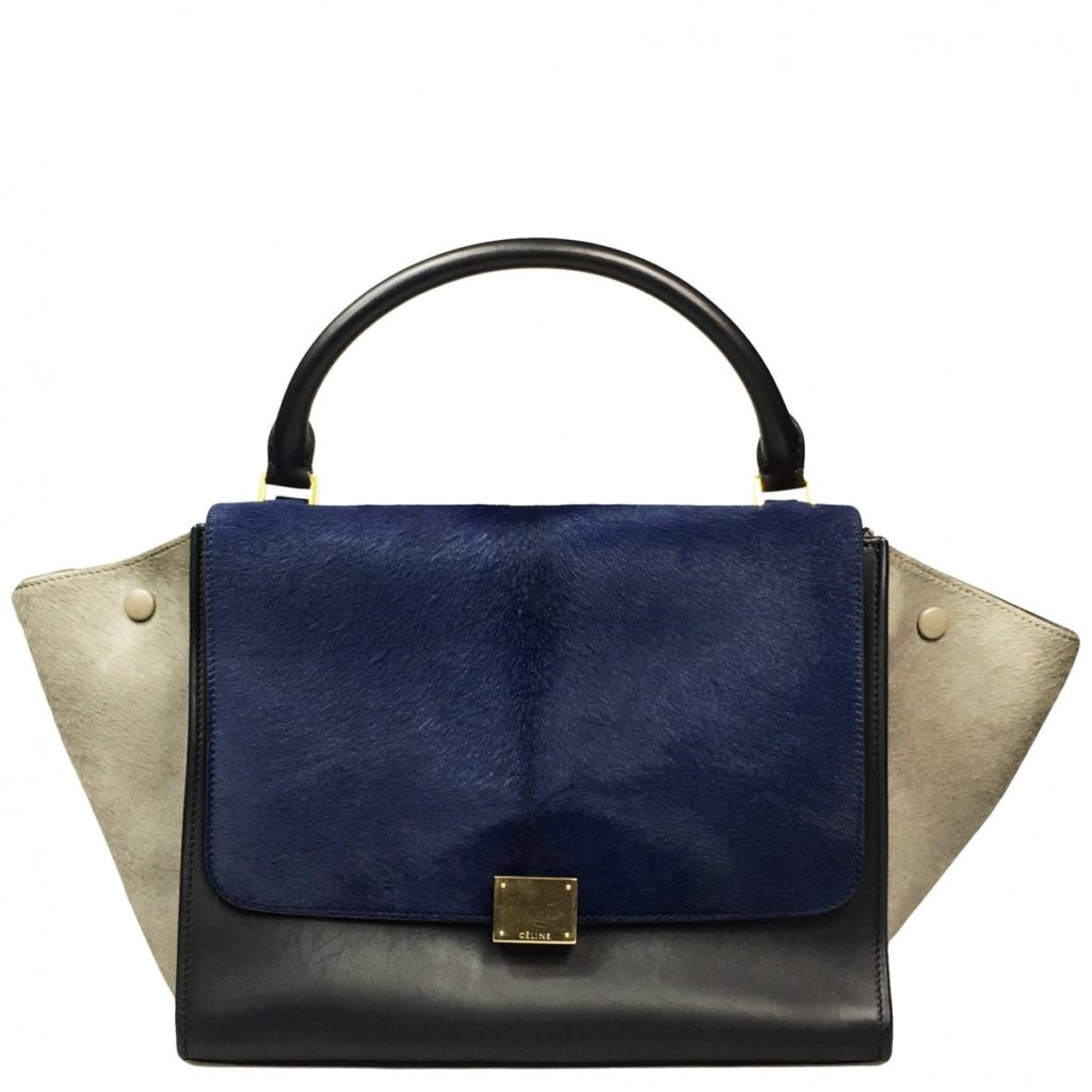 bc39638f4fc0a9 celine trapeze handbag blue white black. Photo Credit: Vestiaire Collective